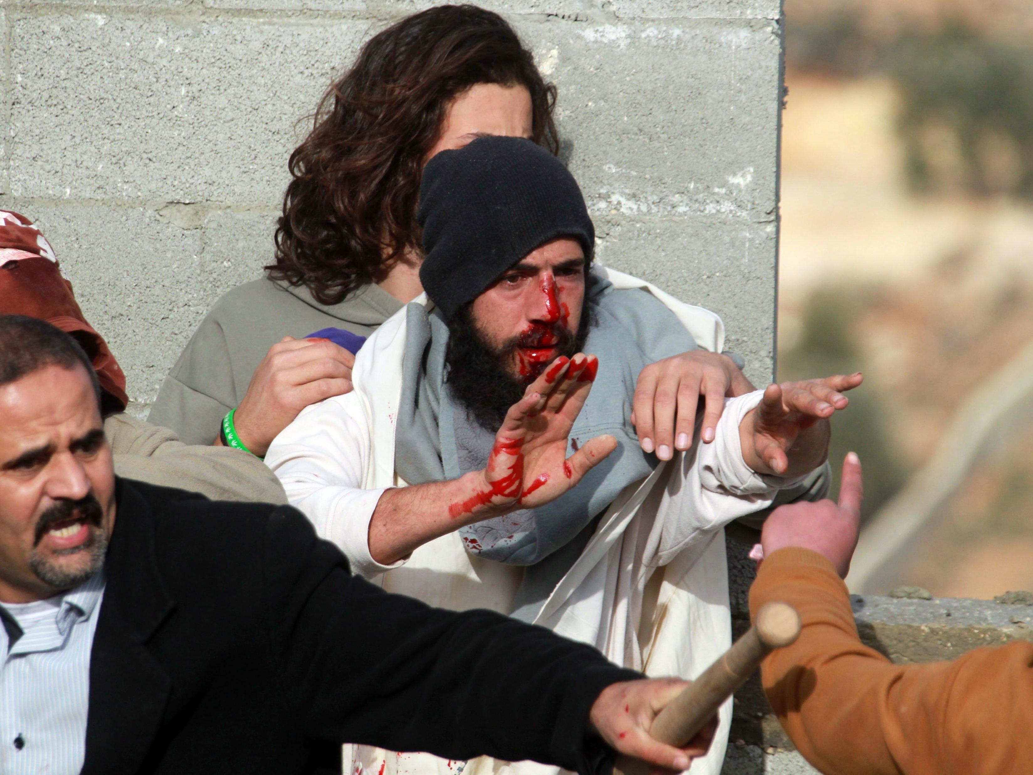 Wütende Menschenmenge wollte palästinensisches Eigentum zerstören.