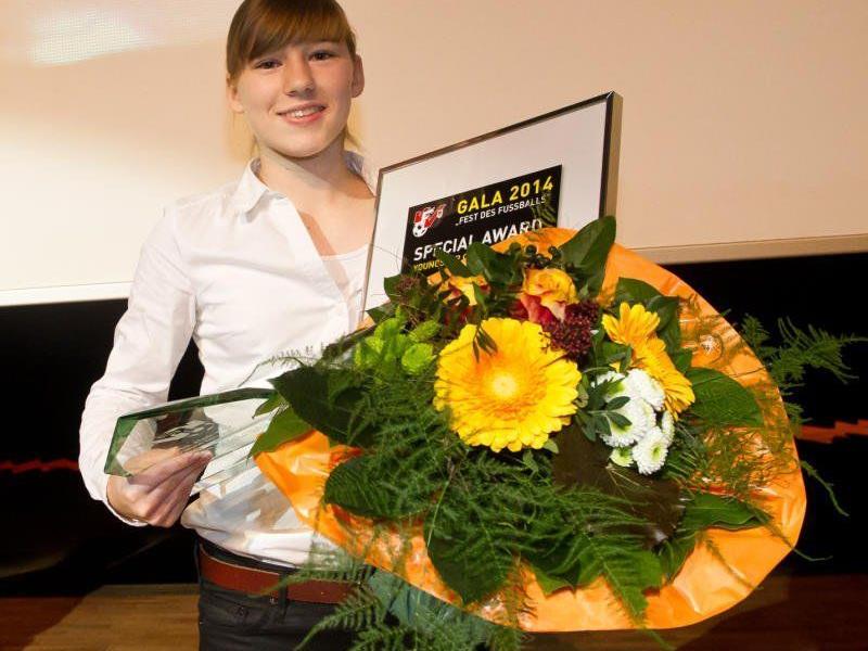 FC RW Rankweil-Spielerin Sarah Klotz wurde zur besten Youngsterin in der Bundesliga 2013 ausgezeichnet.
