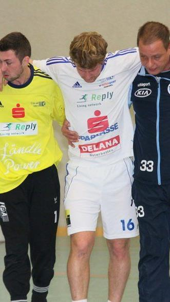FC BW Feldkirch Spieler Christoph Duelli zog sich eine schwere Seitenbandverletzung zu.