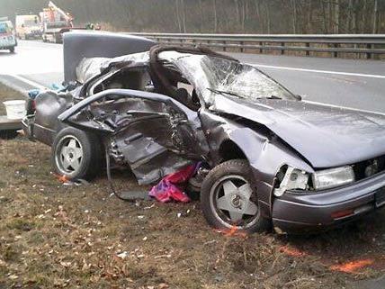 Auf der A21 gab es am Freitag einen tödlichen Unfall.