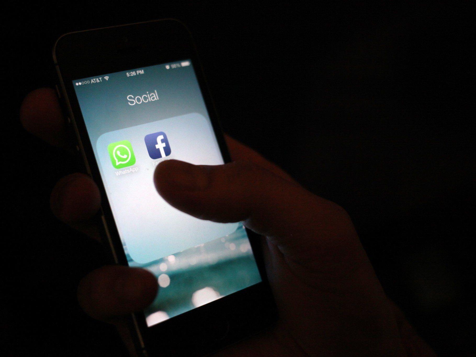 Facebook kauft WhatsApp: Vier Mrd. Dollar in Bar, Rest in Aktien.