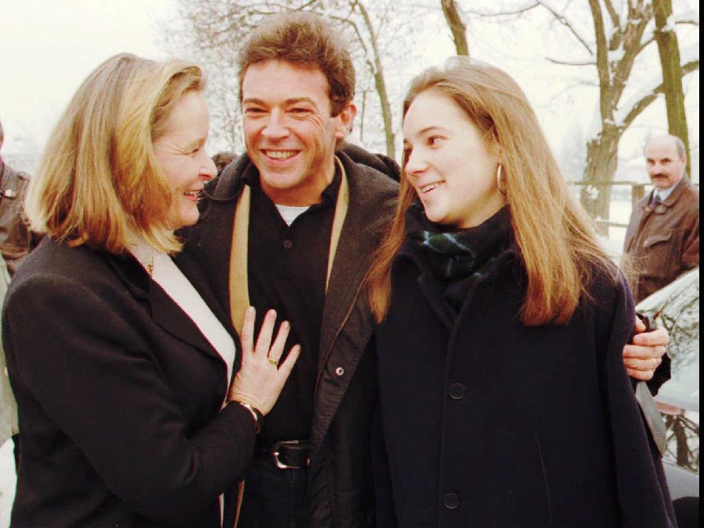 Jörg Haider mit Ehefrau Claudia und Tochter Ulrike nach den Nationalratswahlen 1995 in Klagenfurt.