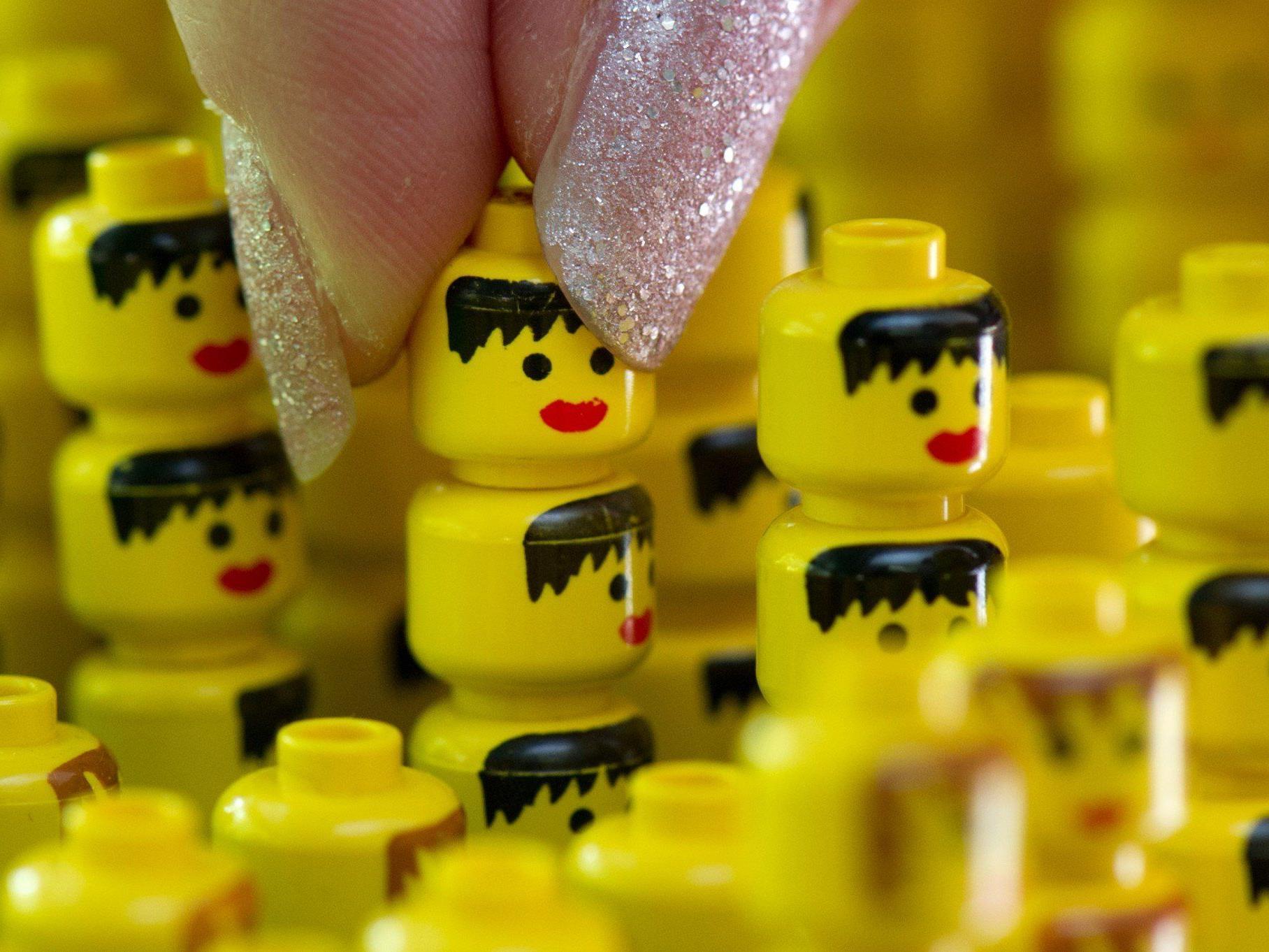 Ein siebenjähriges Mädchen beschwert sich bei Lego über die Rolle der Lego-Frauen.