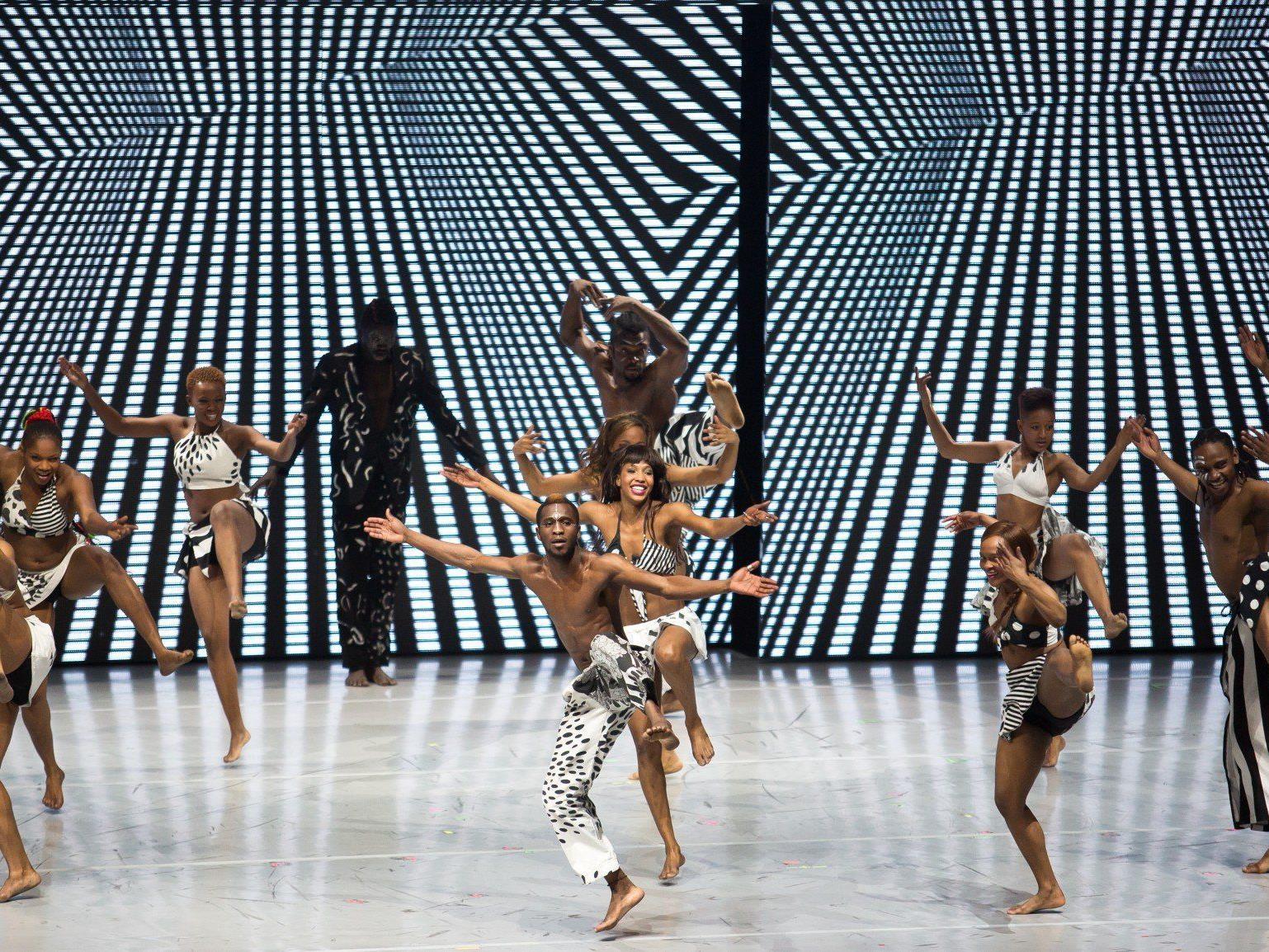 Die Zuschauer waren begeistert von den Leistungen der Tänzer.