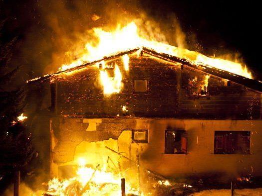 Haus im Skigebiet Golm Matschwitz wurde Raub der Flammen.