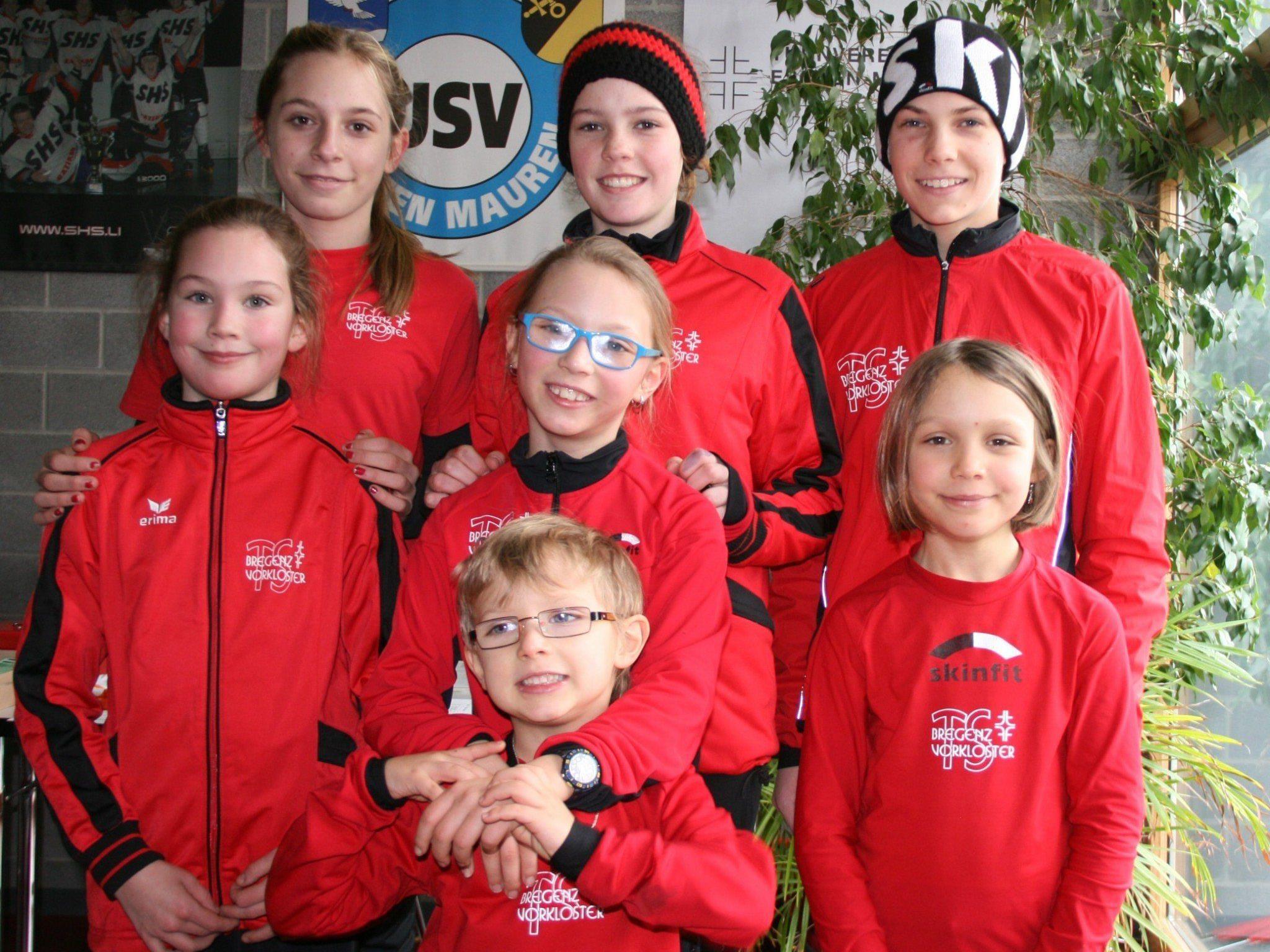 Die erfolgreichen Läufer der TS Bregenz-Vorkloster bei der Crosslaufmeisterschaft in Eschen.