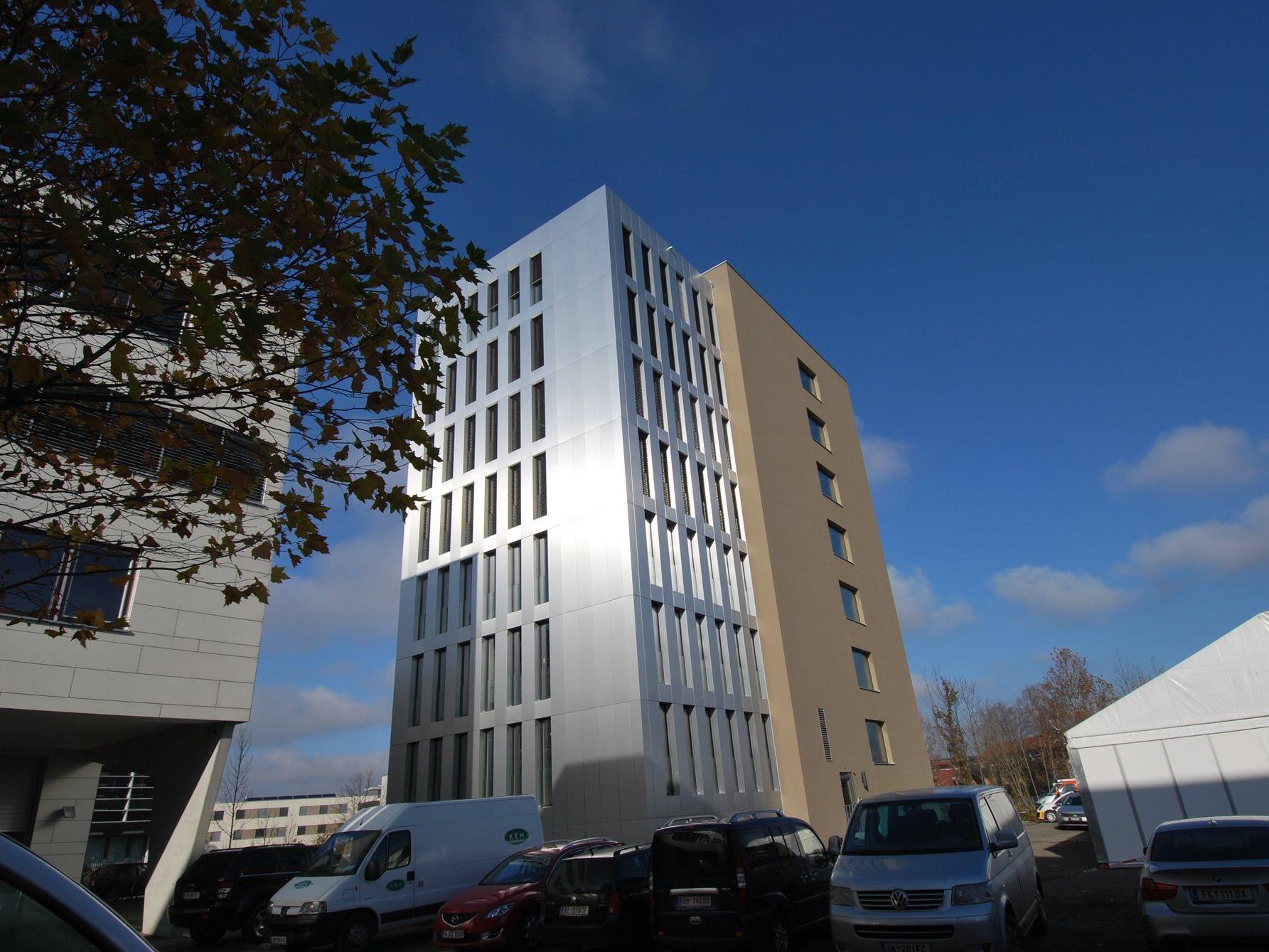 Cree GmbH erhält für LifeCycle Tower den KYOCERA-Umweltpreis.