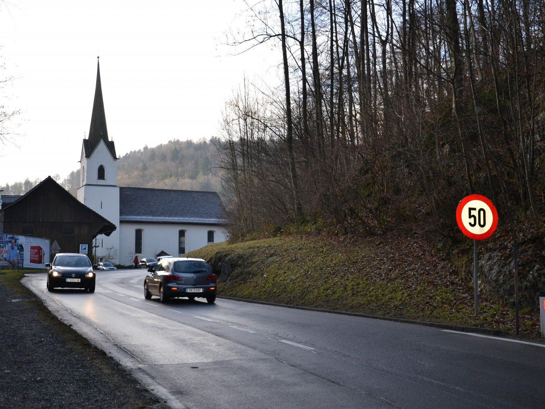 """Die Grüne Liste Götzis ist mit ihrem Antrag auf eine Reduzierung der Geschwindigkeit in der Gemeindevertretung """"abgeblitzt""""."""