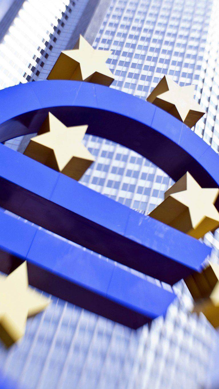 1,44 Mrd. Euro Nettogewinn - Risikovorsorge 2013 deutlich verringert.