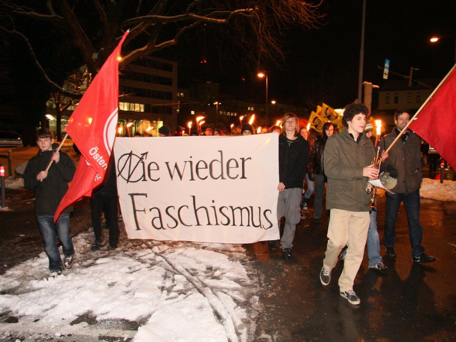 Heute Abend findet in Bregenz anlässlich des 80. Gedenktages an die Februarkämpfe ein Fackelzug mit anschließender Podiumsdiskussion mit Dr. Werner Bundschuh statt.