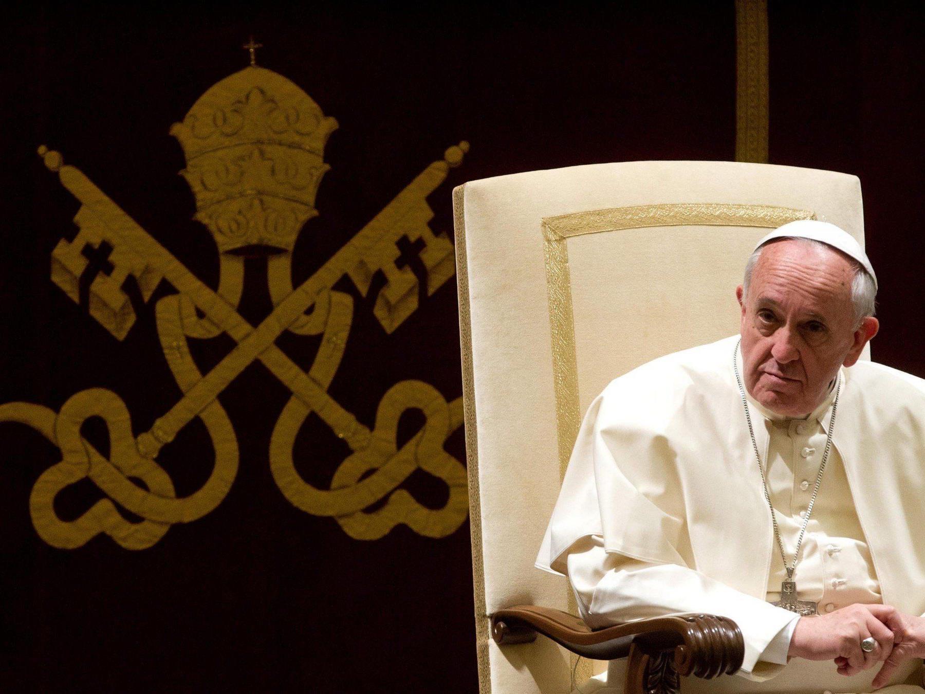 """Papst Franziskus richtet ein """"Finanzministerium"""" ein."""