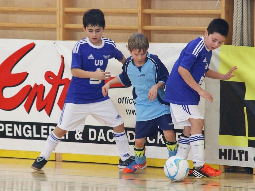 Das 7. Raiffeisen Hallenfußballturnier in Rankweil beginnt am Freitag mit den Unter-14-Jährigen.