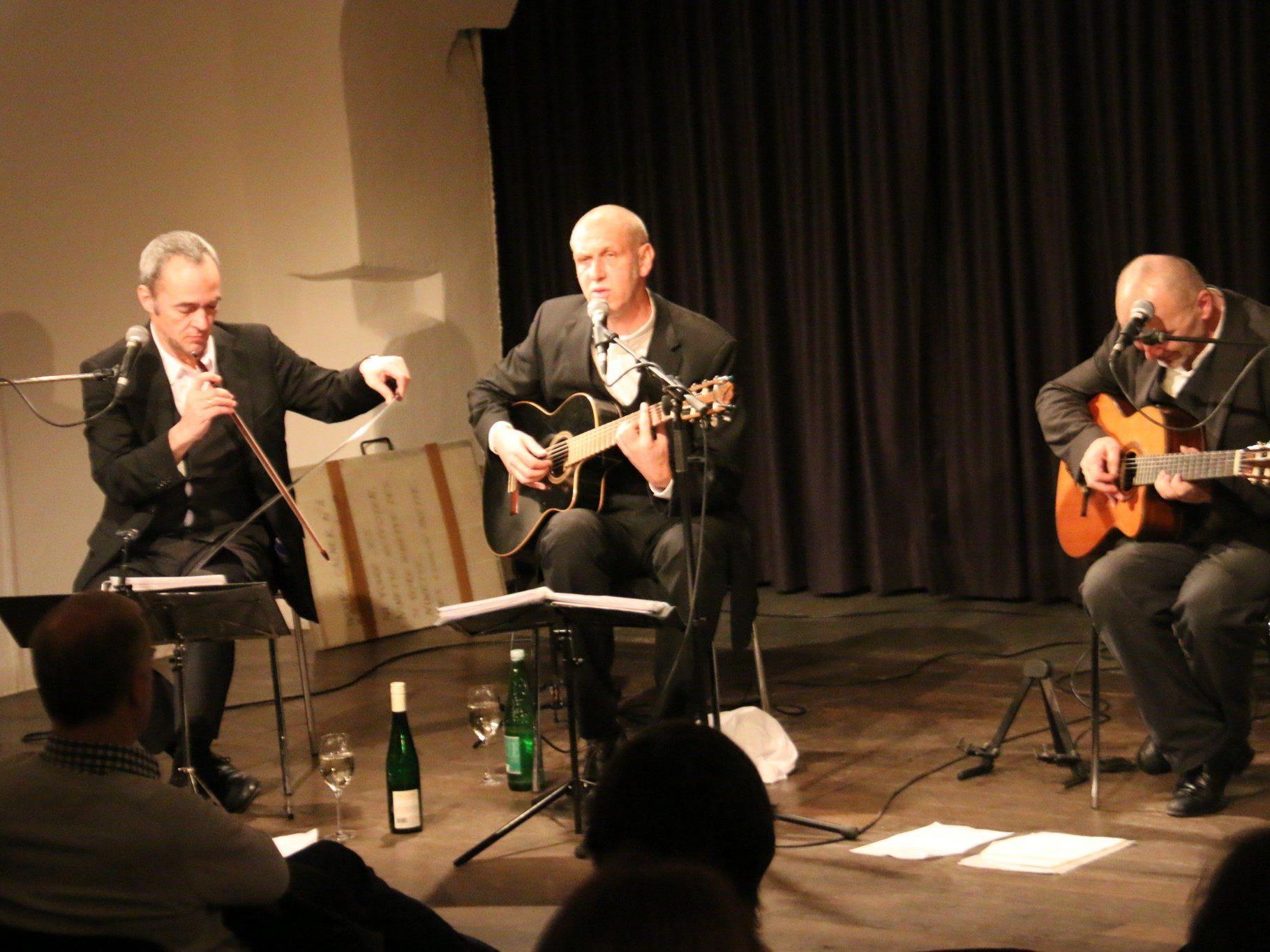 Das Wiener Trio Lepschi sorgte im TAS für viel Gspaß in Wort und Melodie.