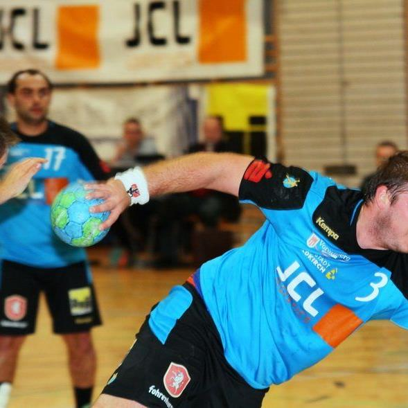 Feldkirchs Handballer gewinnen gegen Wangen mit sieben Toren Differenz.