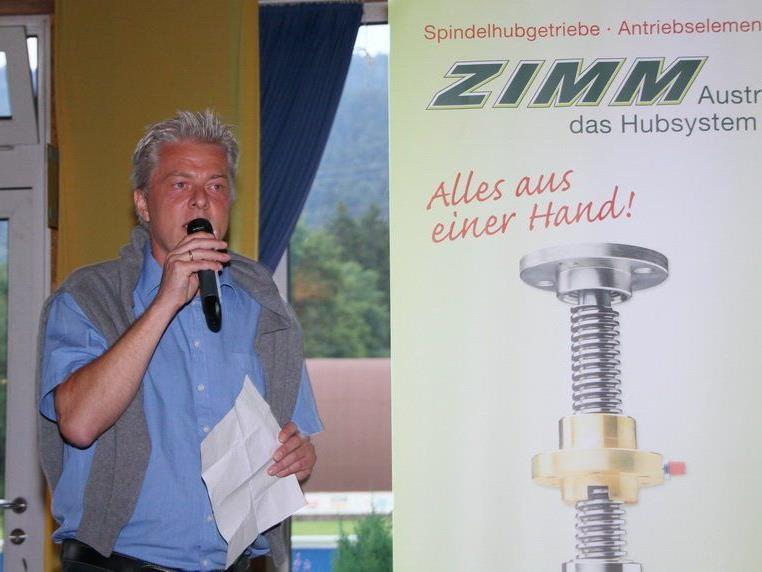 Hauptsponsor Gunther Zimmermann hofft auf sechs Heimsiege im Frühjahr.