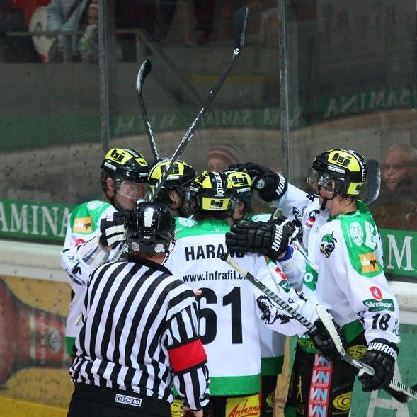 Jubeln will der EHC Lustenau im Heimspiel gegen Zell am See.