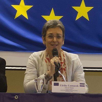 Eine der derzeit erst zwei Spitzenkandidatinnen für die EU-Wahl: Ulrike Lunacek