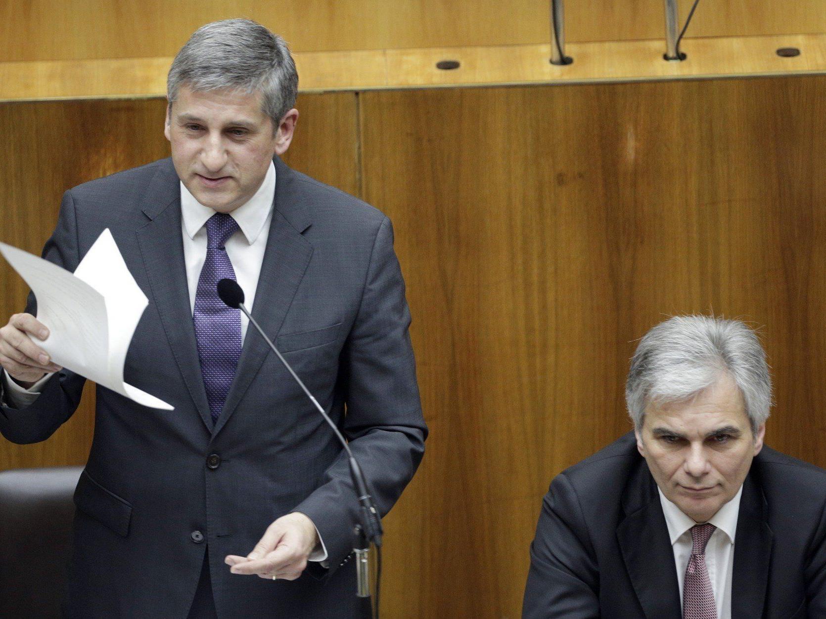 Regierungsparteien schmetterten Anträge der Opposition ab.