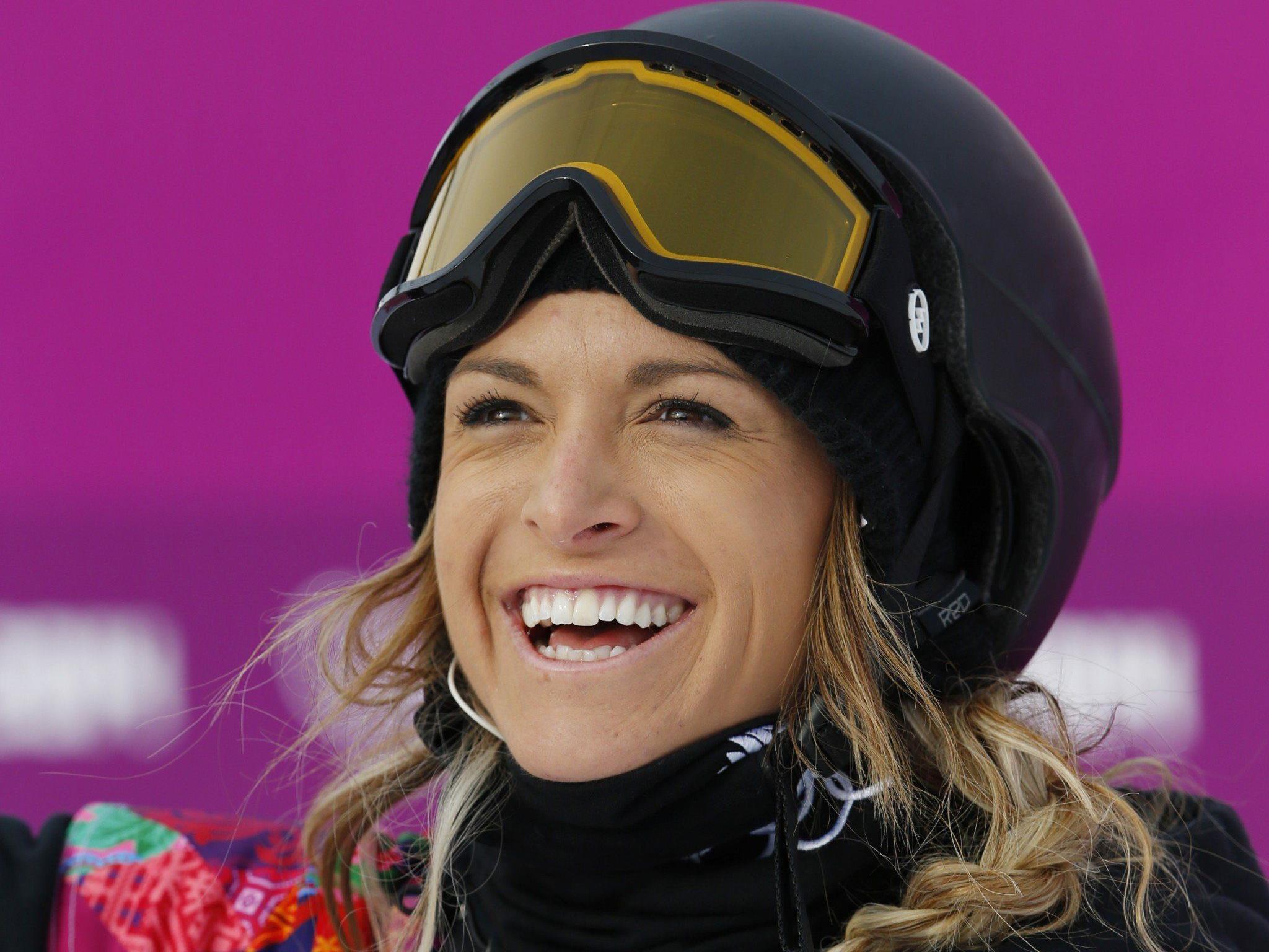 """Die Snowboarderin twittert über das neue Liebes-App """"Tinder""""."""