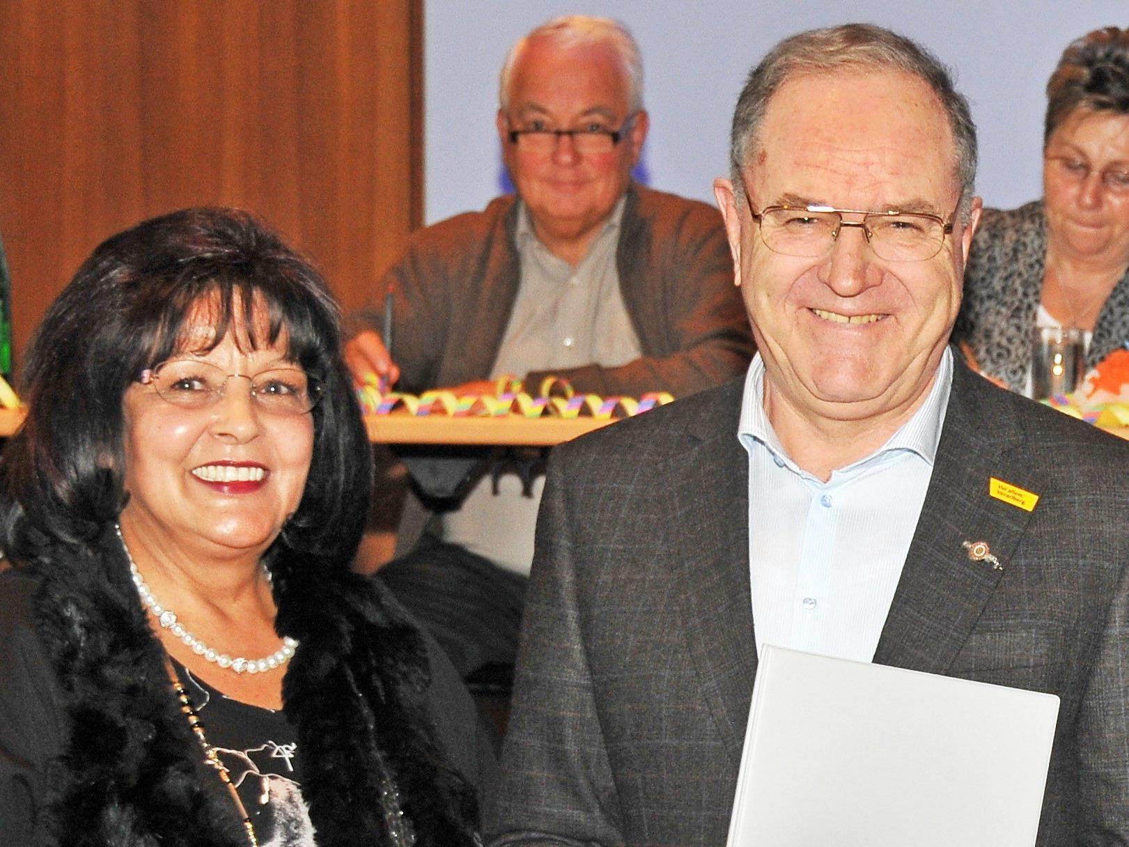 Bezirksobfrau Karin Rezniczek und Obmann Werner Schmid