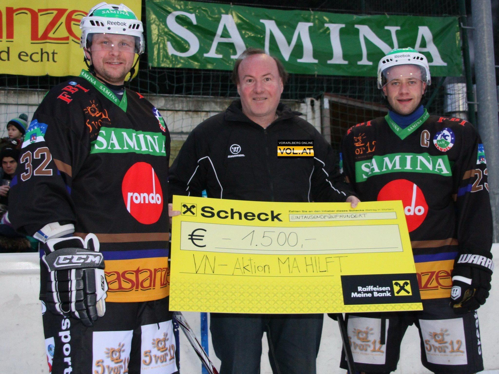 Der HC Samina Rankweil und VEU Feldkirch spendeten 1500 Euro für VN Aktion Ma hilft.