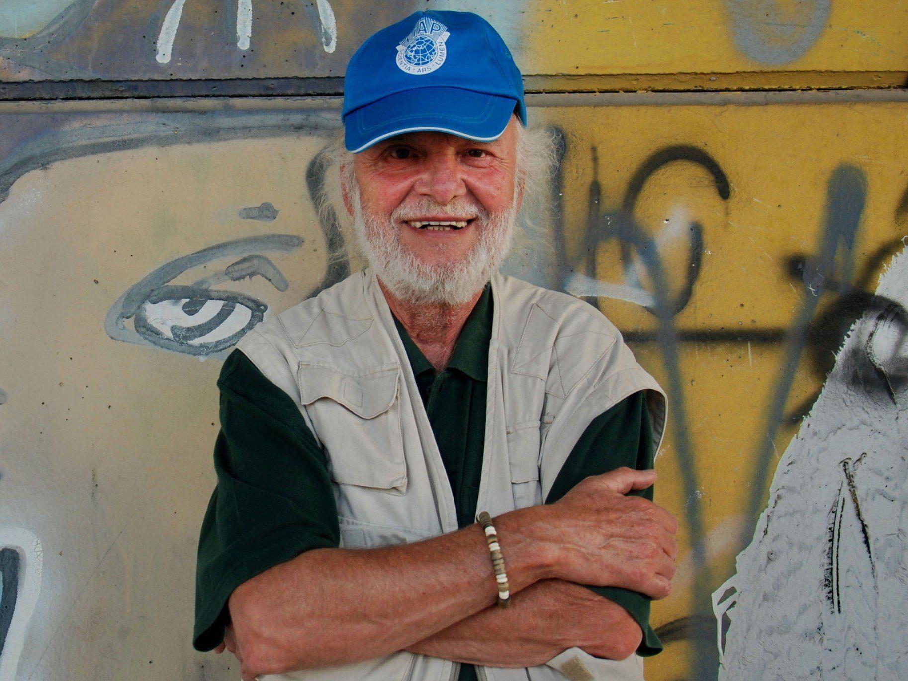 Dietmar Wanko bereitet neue Graffiti-Show vor.
