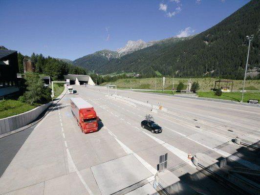 Langsam zeichnen sich Lösungen für die Zeiten der Vollsperre des Arlbergtunnels ab.