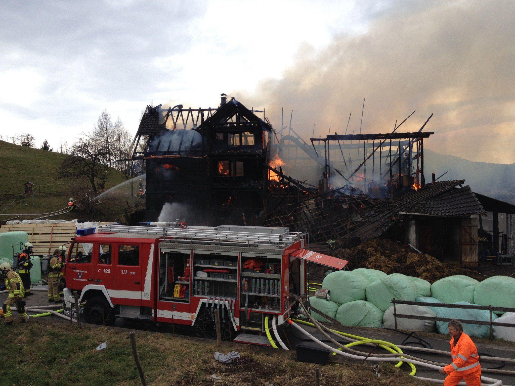 Der Bauernhof in Batschuns brannte bis auf die Grundmauern nieder.
