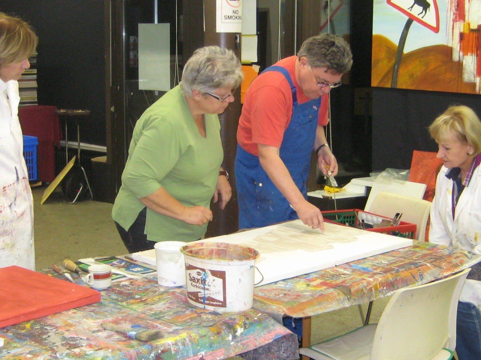 Kreativ und bunt werden die einzelnen Kurse, die im März und April stattfinden.