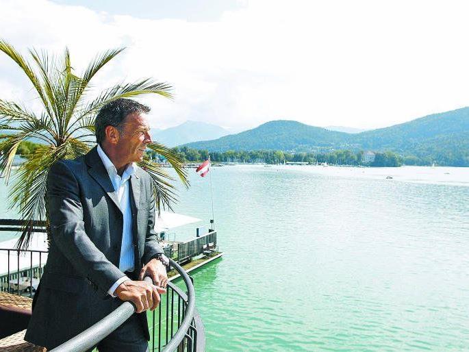 """or einem Luxushotel am Wörthersee: """"Wir sind reich"""", jubelte der damalige Landeshauptmann Haider nach dem Hypo-Alpe-Adria-Verkauf."""