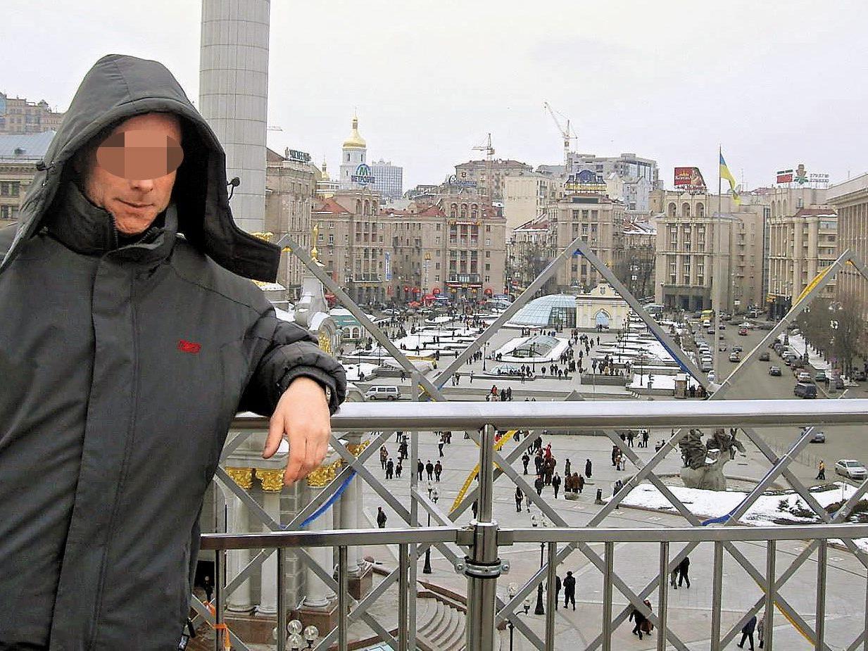 Harald G. in Kiew - zu seiner Sicherheit haben wir sein Gesicht unkenntlich gemacht.