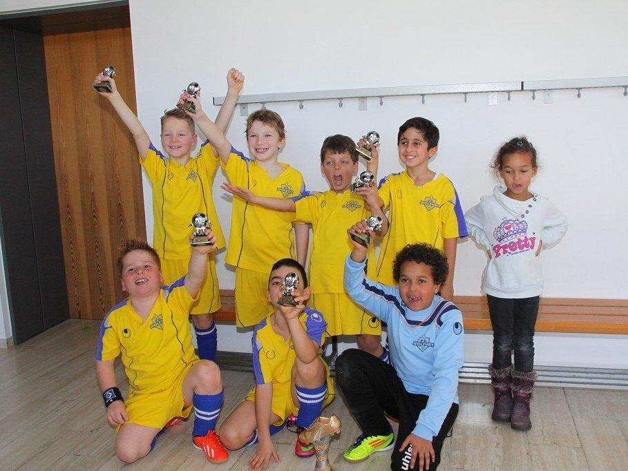 FC Wolfurt U-9 gewann das Hallenturnier in Rankweil und blieb ungeschlagen.