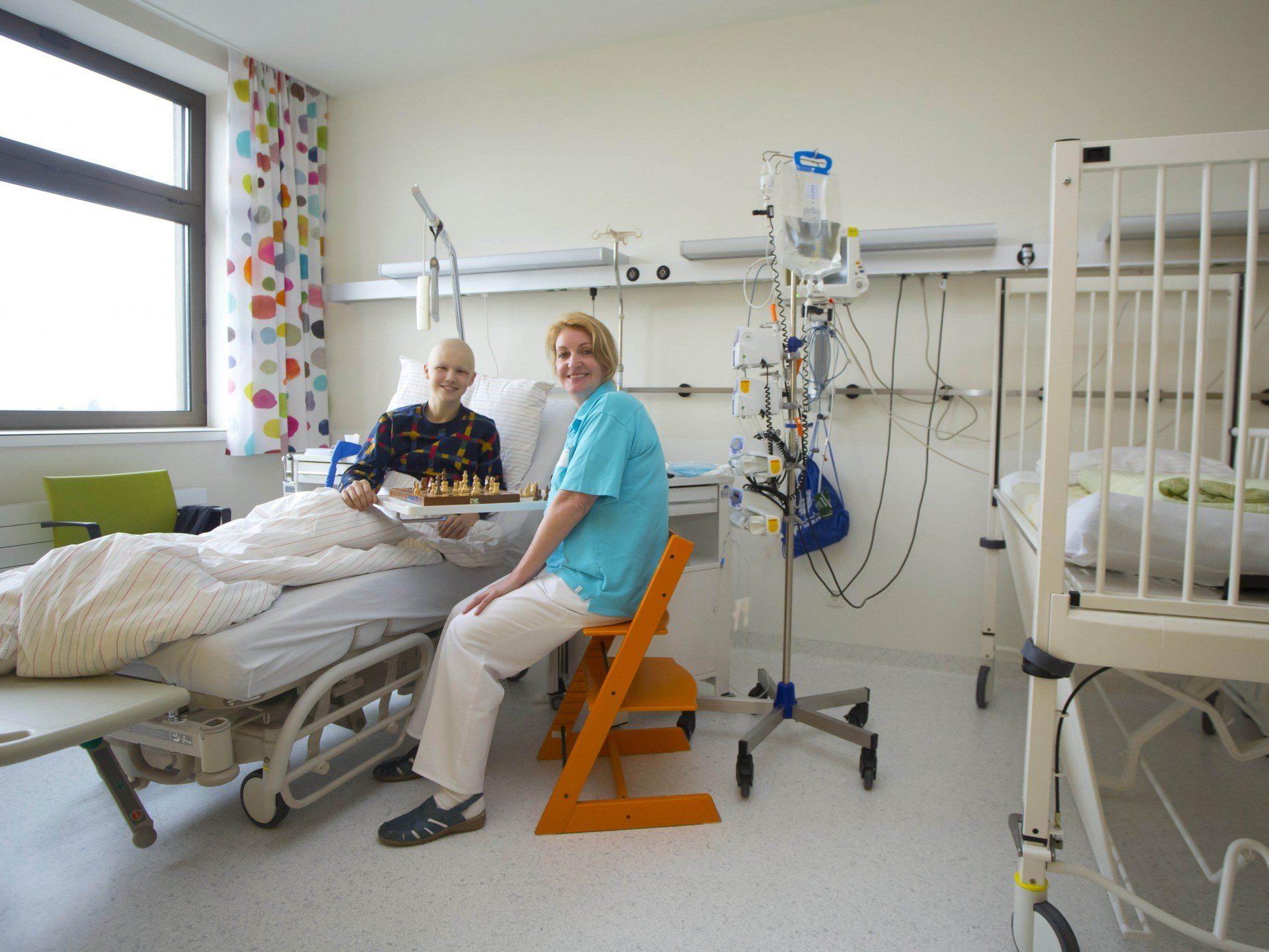 Die kleinen Patienten fühlen sich in den neuen, hellen Räumen sichtlich wohl.