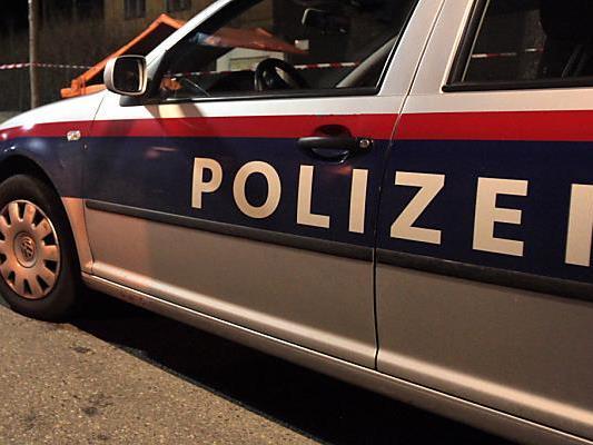 In Hollabrunn soll ein 64-Jähriger seine Ehefrau erstochen haben.