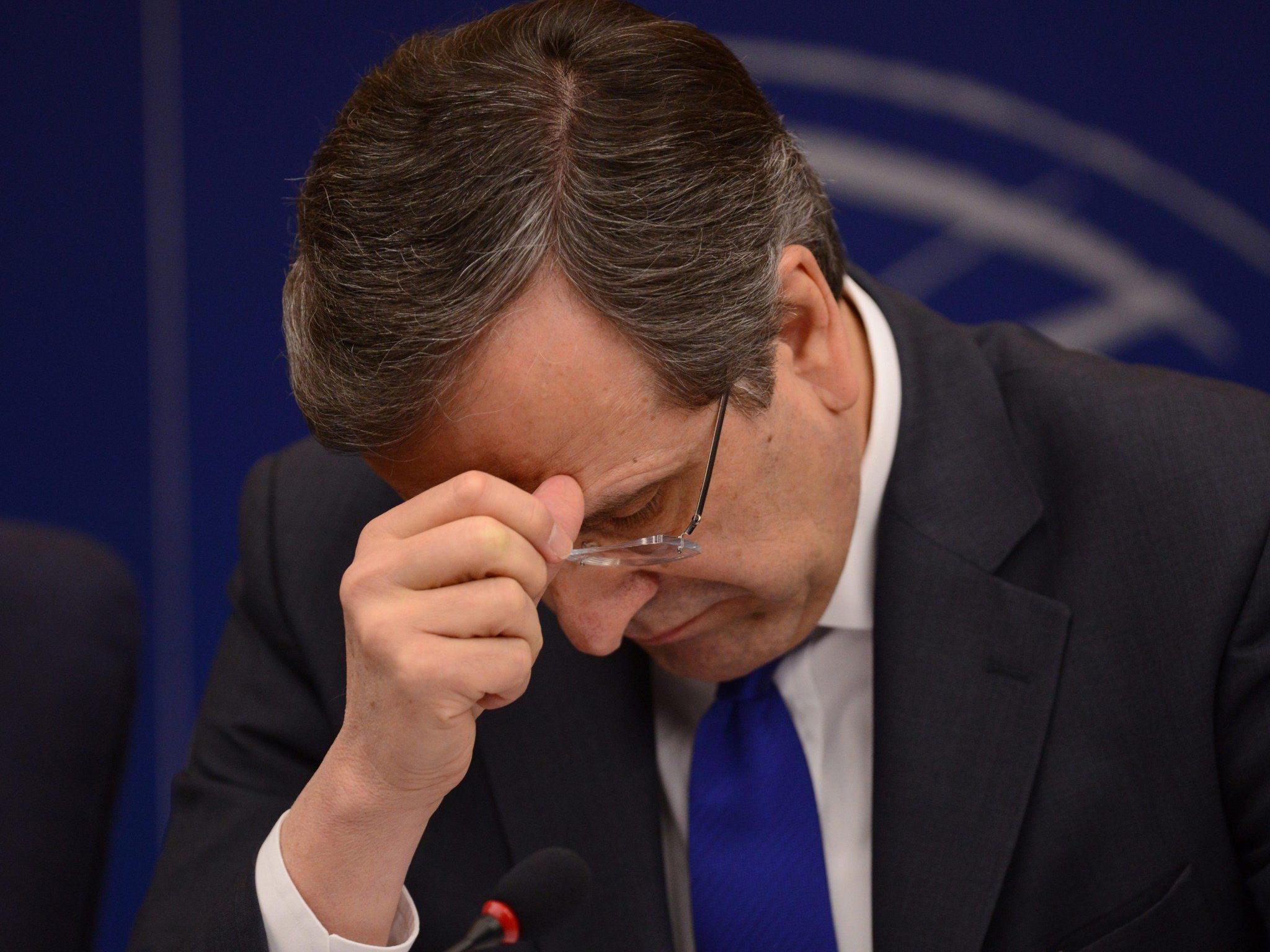 Sorgenfalten auf der Stirn von Antonis Samaras werden wieder tiefer.