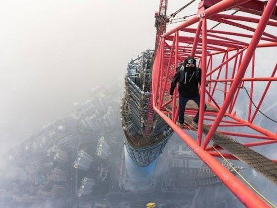 Die zwei Russen kletterten illegal auf noch nicht fertiggestelltes Bauwerk in Shanghai.
