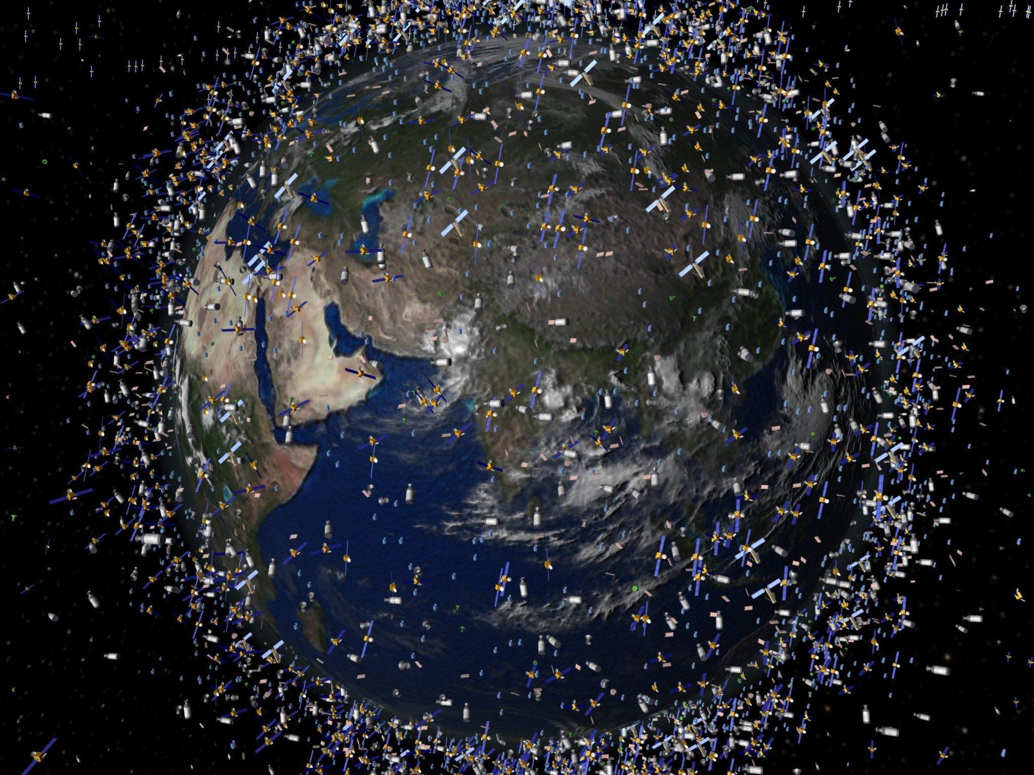 Bis zu 1.000 aktive Satelliten kreisen um die Erde.