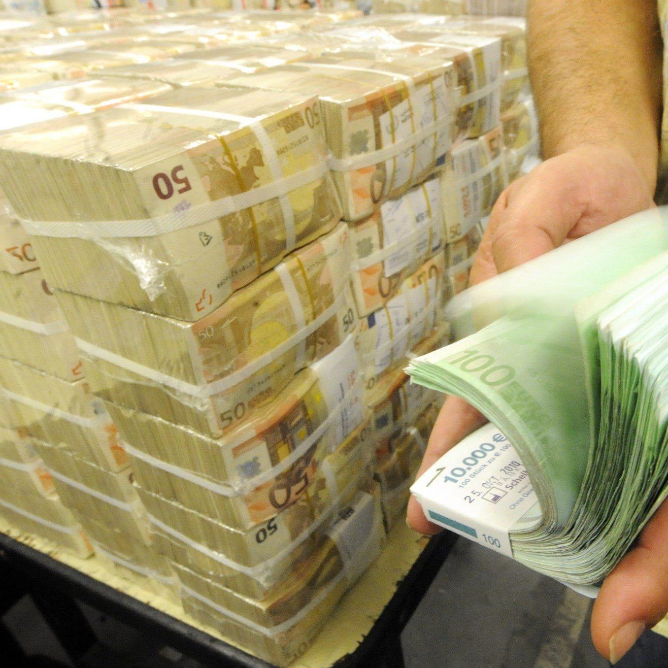 Es fehlen Millionen im Budget - Geldsegen zum Löcherstopfen.