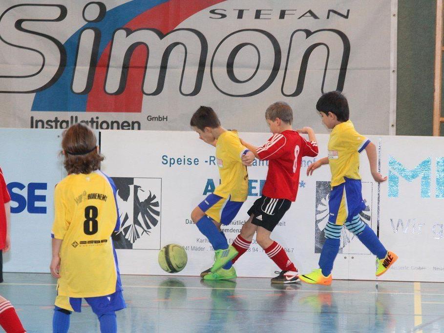 Drei Tage lang stand beim Simon Installationen FC Mäder der Nachwuchs im Mittelpunkt.