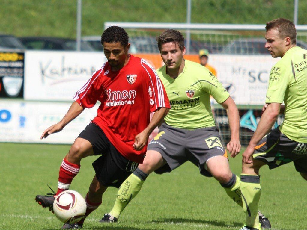 Der Brasilianer Piter de Souza Santos spielt im Frühjahr wieder für den Simon Installationen FC Mäder.