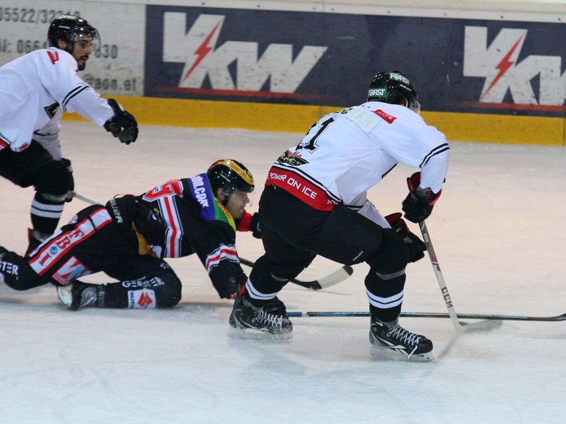 VEU Feldkirch Geschäftsführer Michael Lampert stand im Heimspiel gegen Meran an der Bande.