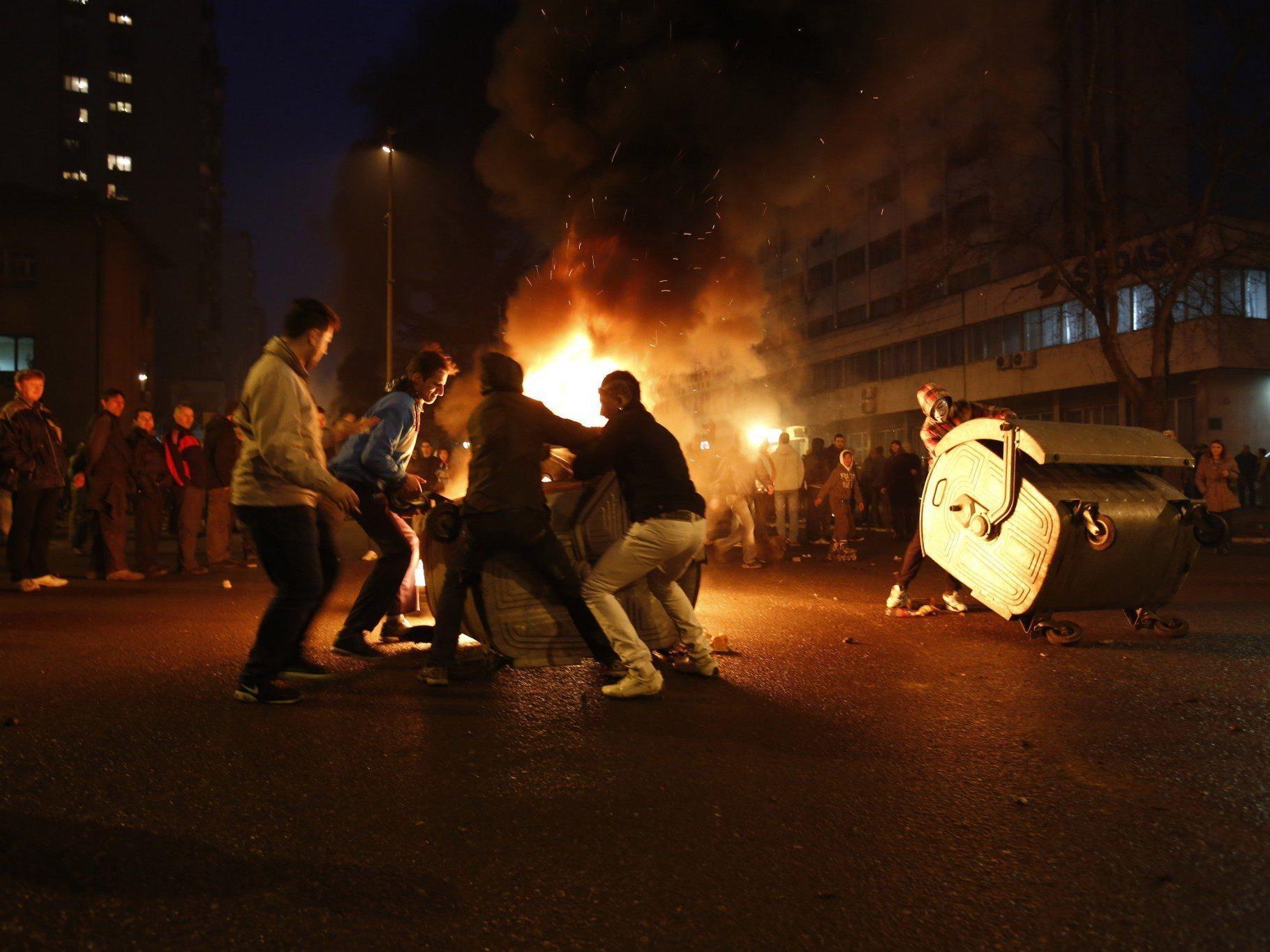 Die seit Tagen anhaltenden Proteste eskalierten am Freitag.