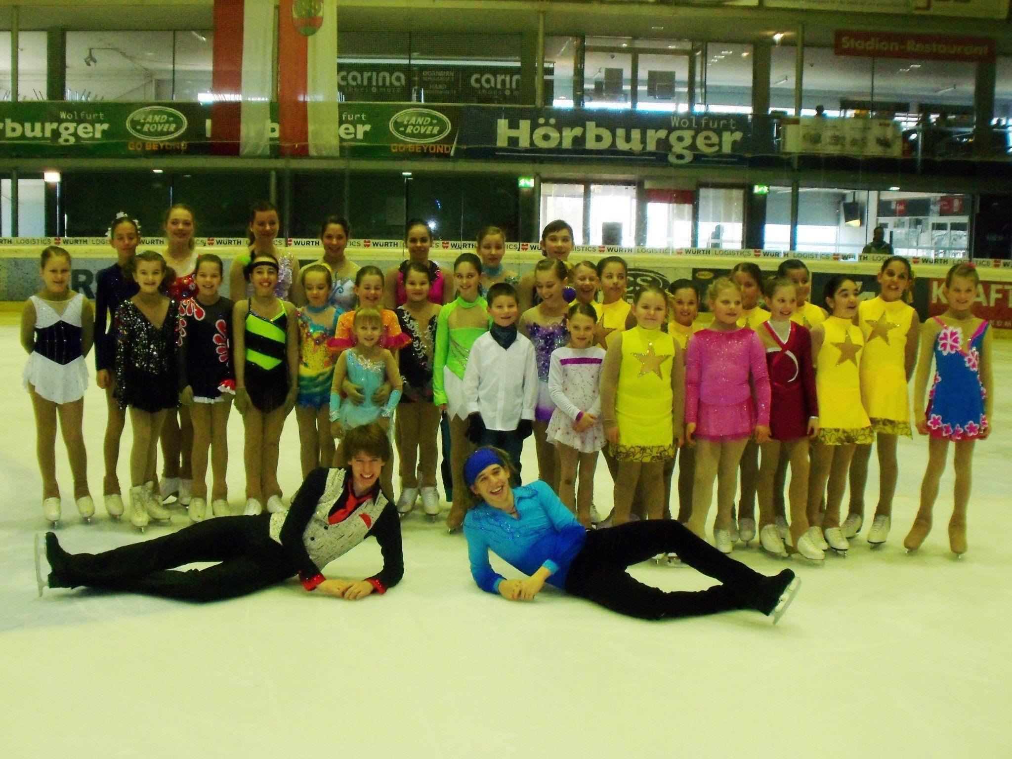 Die Teilnehmerinnen und Teilnehmer der Vorarlberger Landesmeisterschaften im Eiskunstlauf 2014