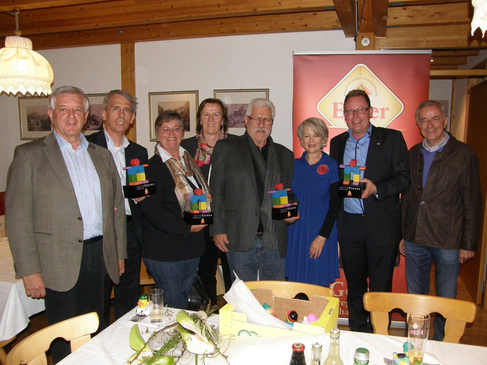Franz Abbrederis (li.) dankte den Veranstaltern und Sponsoren den Charity-Events