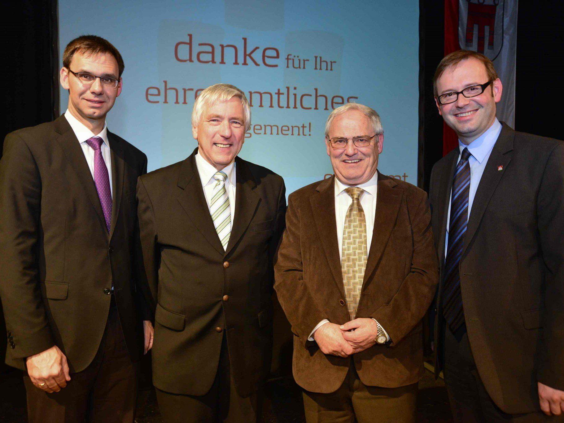 Verdiente Vereinsfunktionäre der beiden Ferienheime Bolgenach, Otto Grabher und Oberbildstein, Willi Oberfrank.