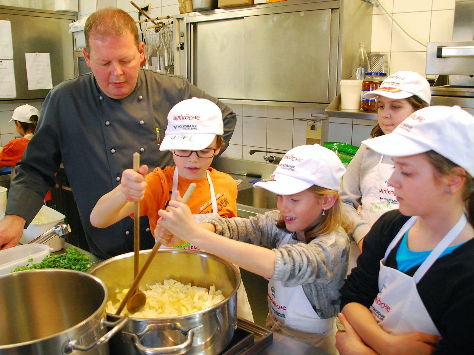 Die Rankweiler Miniköche waren im GH Schäfle am Kochen.
