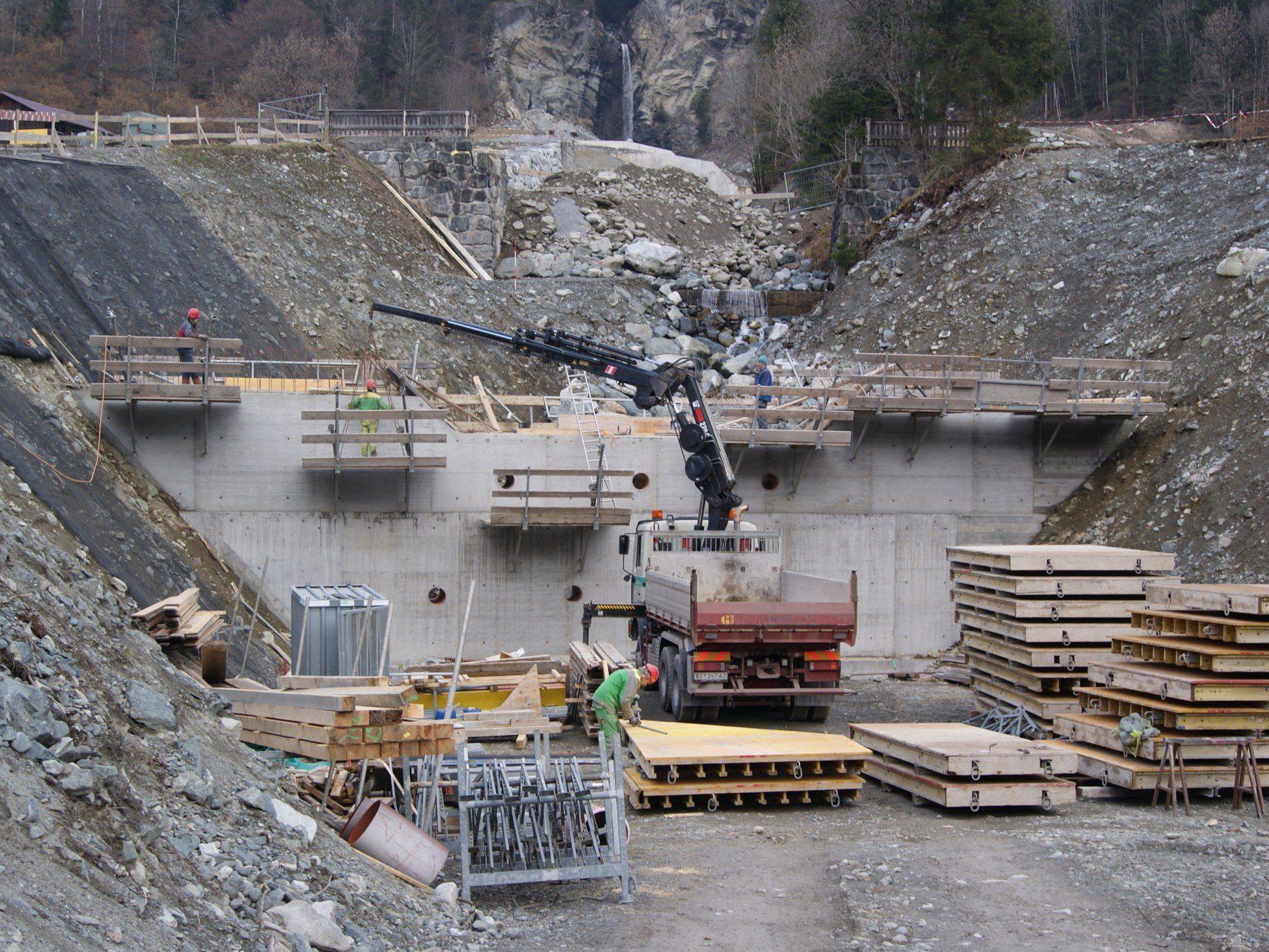 Seit Anfang Februar wird wieder an der Verbauung des Balbierbaches gearbeitet.
