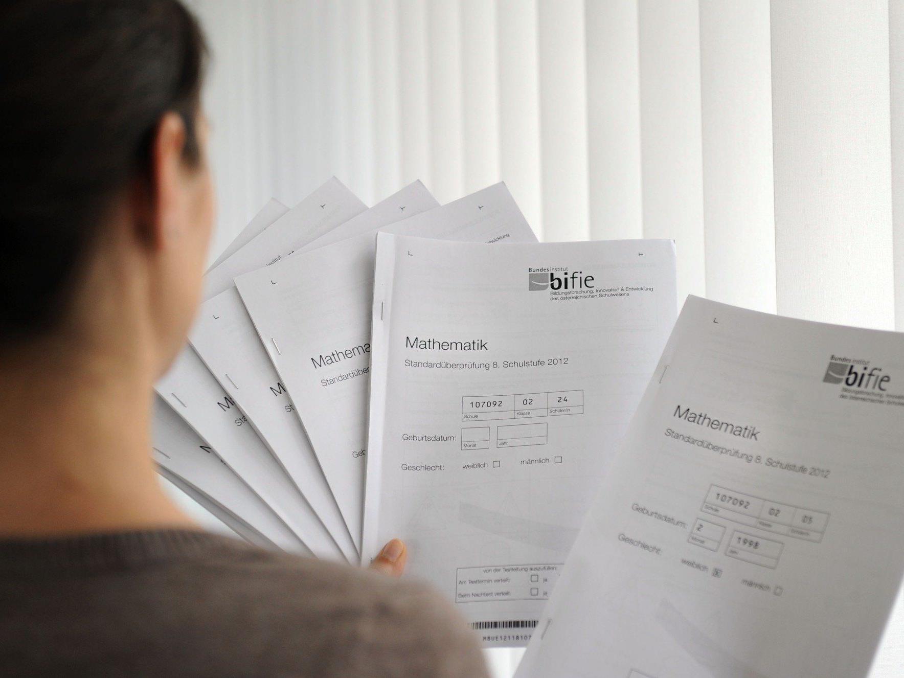 Bildungsstandardtests: Die Aufgabenbögen für die geplanten Prüfungen im April und im Mai können wieder eingestampft werden.