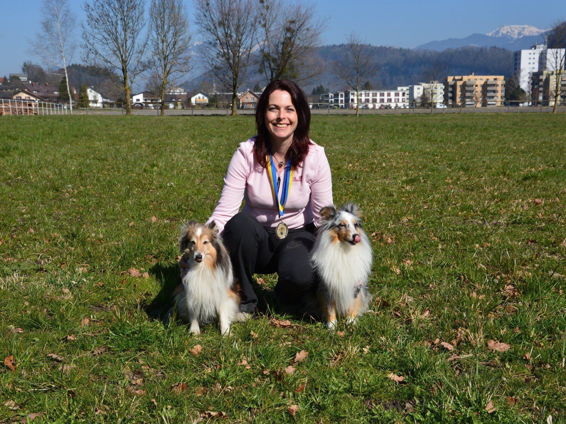 Die Abräumerin des Tages: Belinda Vogt mit Enzo (2RG.) und Jesco (1.RG)