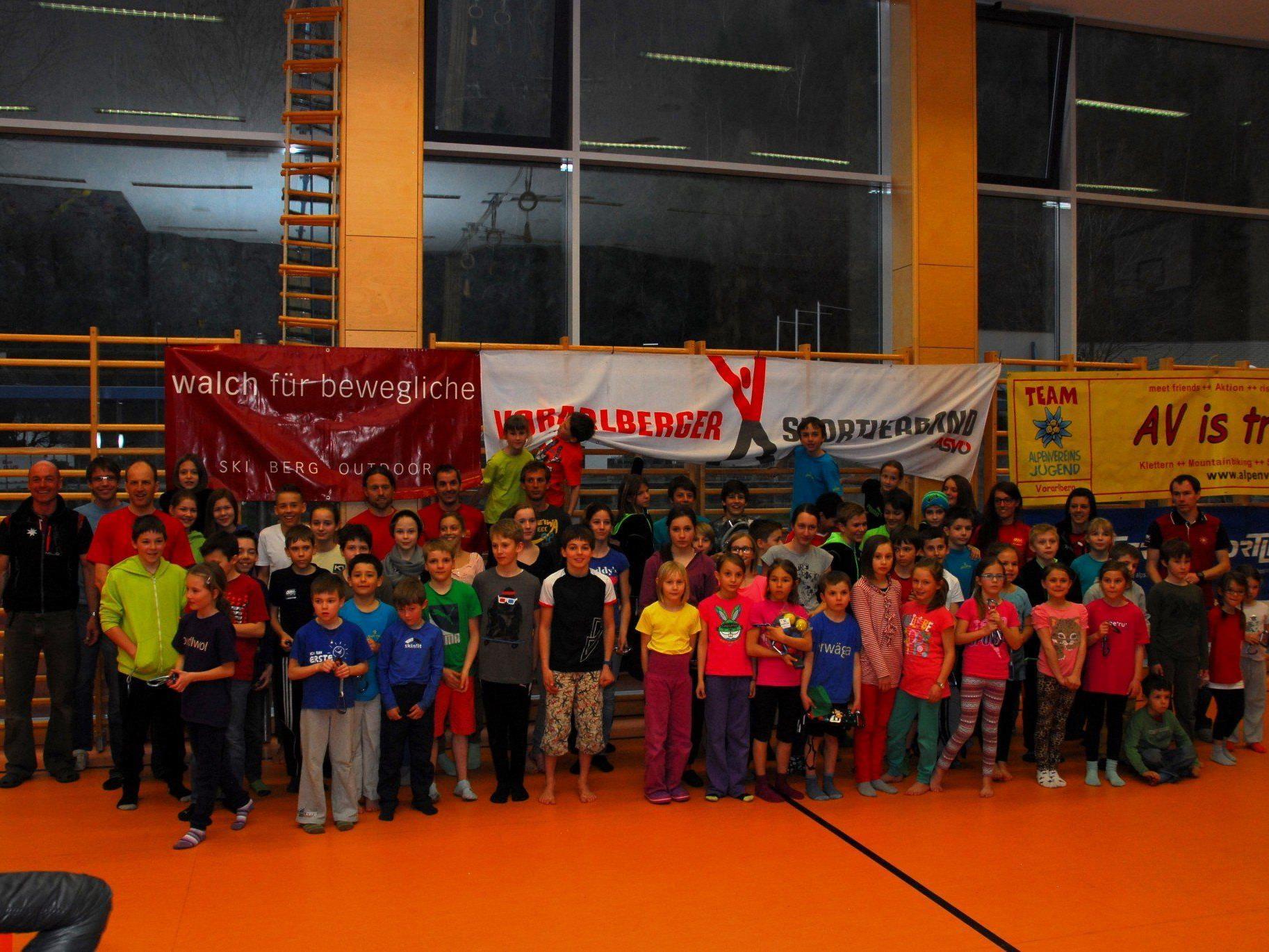 Die Jungkletterer zeigten beim Oberländercup in Bludenz tolle Leistungen.